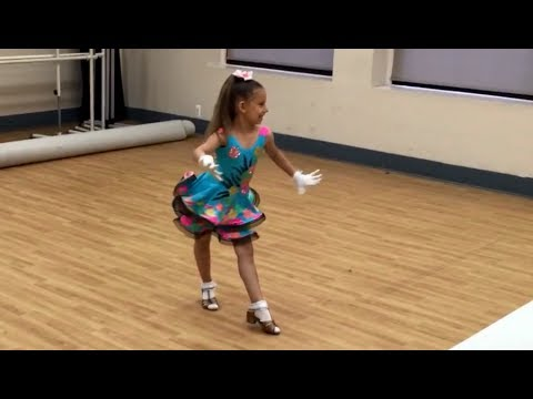 Anastasia Lepin Uptown Funk Bruno Mars + Jive Examen (8 years old)