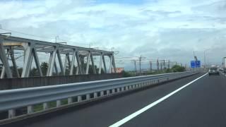 名神高速 下り線「木曽川橋」、東海道新幹線「木曽川橋梁」 新幹線の通過