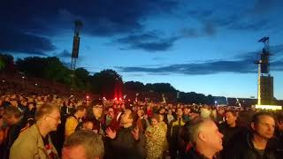 ROLLING STONES - crowd shot before show in Stadtpark, Hamburg [9.9.2017]
