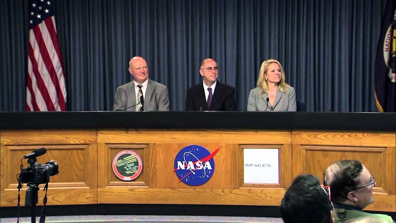 spacex dragon post launch news conference