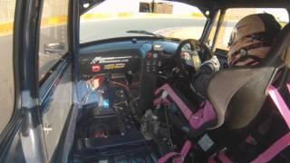 BATTLE of MINI1000 最終戦の 38号車をドライブする、いとうりな選手.