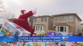 Santa Delivers Gifts To Family Of Jemel Roberson