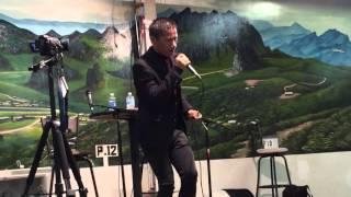 kub qav kaws sing at hmong village 2015 ( facebook )