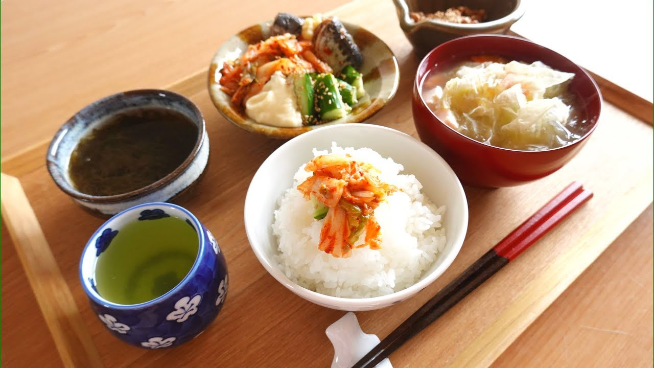 キムチ胡瓜とおぼろ昆布のお味噌汁 kimuch Miso soup
