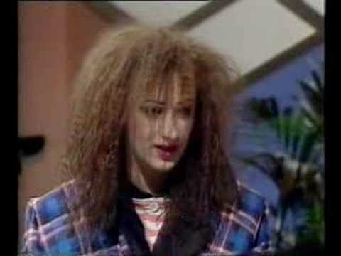 """""""Boy George: """"I'M Not A Dragqueen!"""" At Youtube"""""""