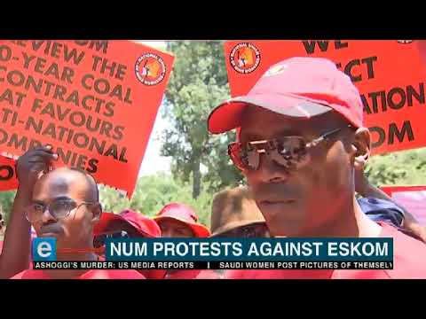 NUM marches to  the Union Buildings