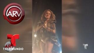 Paulina Rubio sufre caída en concierto | Al Rojo Vivo | Telemundo