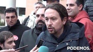 Pablo Iglesias acompaña en los juzgados a los 8 de Airbus