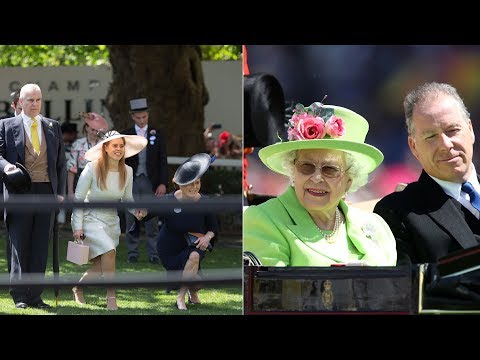 Fergie & Beatrice held hands as they curtsied to the Queen today at Royal Ascot