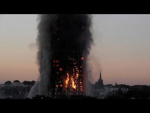 Még keresik az eltűnteket a kiégett londoni toronyházban