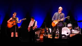 "Mark Knopfler, Paris Bercy 262/06/2013 : ""I dug up a diamond"" with Ruth Moody"