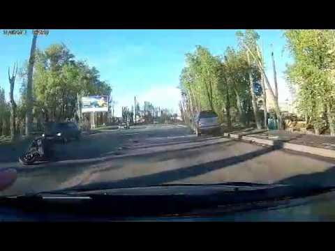 ДТП на ул.Свердловской с участием мотоцикла и Land Cruiser Prado