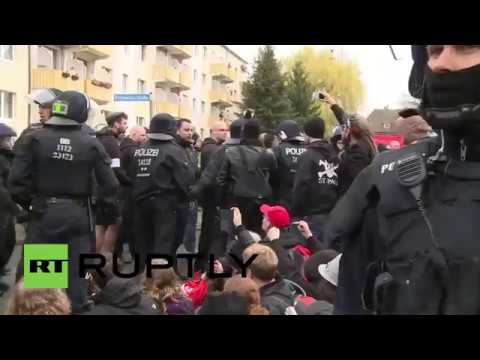 Драка с полицией , Германия  , разгон митинга