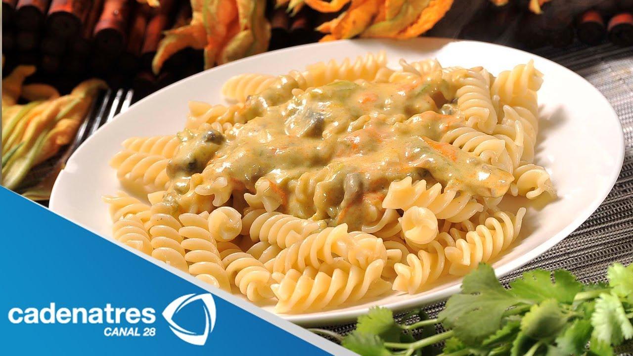 Receta de pasta en salsa cremosa de flor de calabaza - Pure de patatas y calabaza ...