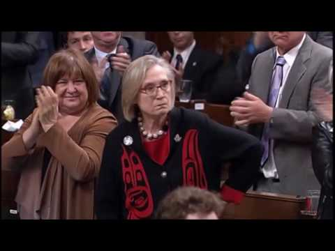 Hon. Carolyn Bennett STARES DOWN Tory MP Heckler During #MMIWG Answer In Question Period