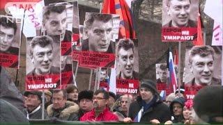 ロシア野党指導者殺害 追悼デモに7万人が参加(15/03/02)