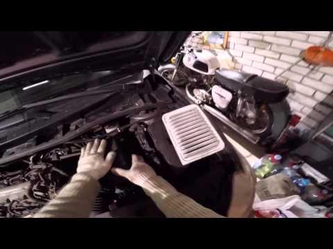 Замена моторного масла на Toyota Corolla e150 2008