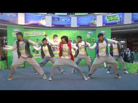 7Up feat B BOYZ CREW DanceON2013 - Kochi @OBERON MALL