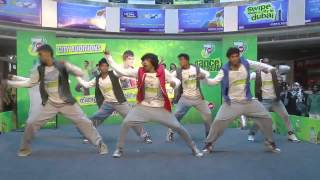 7Up feat B BOYZ CREW DanceON2013 - Kochi @OBERON MALL