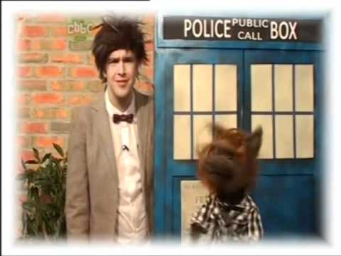 CBBC| Iain & Hacker- Doctor Who Spoof