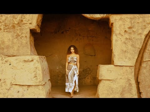 Elyanna - Oululee Leh (Official Music Video With Lyrics)