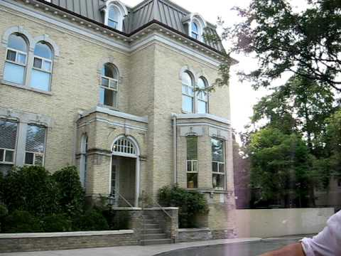 Toronto Travel: Toronto walking tour: Imposing mansions on Beverley Street