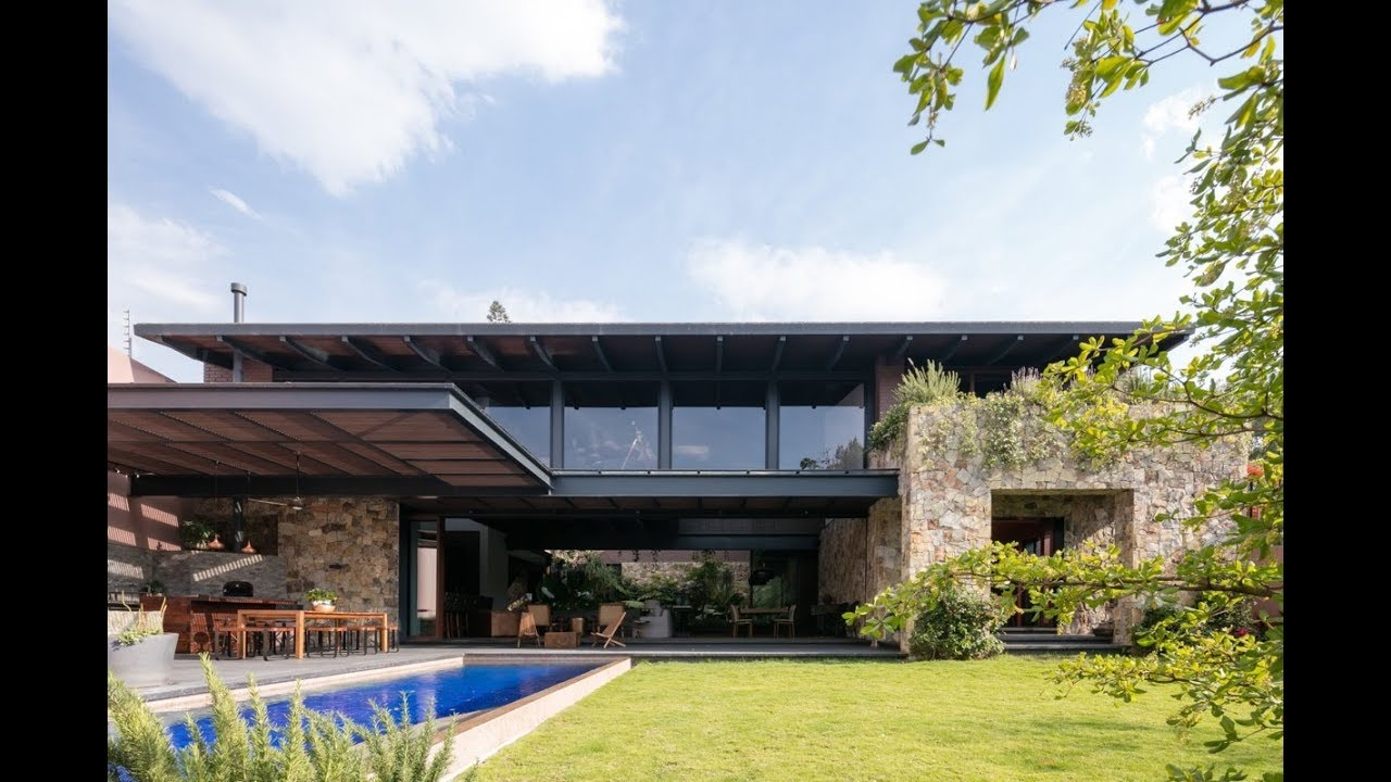 Modern mexican home build with contemporary brick - What is a contemporary home ...