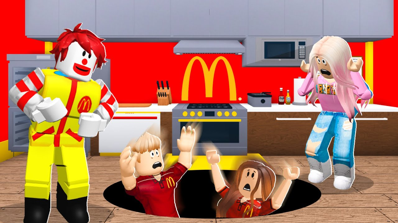 McDonalds Owner Trapped Workers.. I Saved Them! (Roblox Bloxburg)