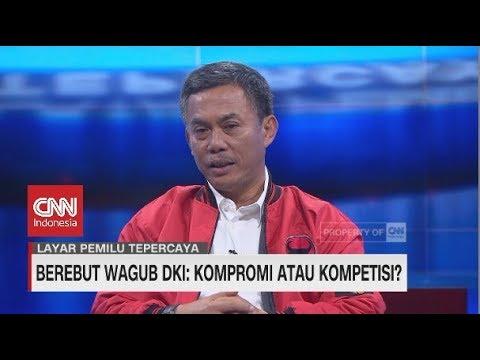 Ketua DPRD DKI Prasetyo Berikan Buku Ahok Pada Cawagub PKS