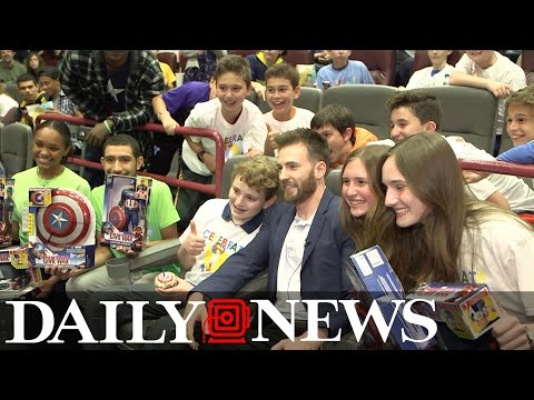 Chris Evans surprises kids at Daily News charity screening of 'Captain America: Civil War'