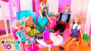 COLAZIONE CON SOFÌ, ELSA, ANNA, MAMMA E PAPÀ! - Me contro Te Toys