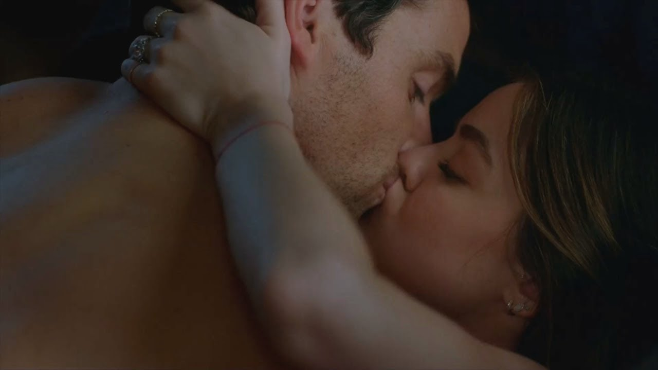 Are aria and ezra hookup in real life