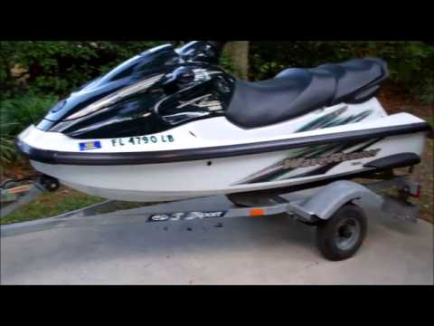 Jet Ski. 1999 Yamaha Wave Runner for sale. Mint Condition.. see.