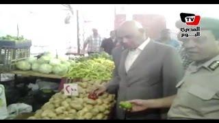 مديرأمن سوهاج يفتتح معرض للسلع المخفضة علي أنغام «تسلم الأيادى»