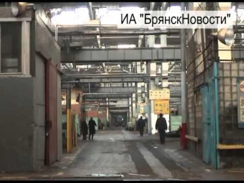 В Новозыбкове огромный промышленный комплекс бывшего завода зарастает лесом