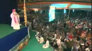 Naina vich basawan jogi band kara darwaje-Jogi re kya jadu hai tere pyar me Pujya Bapu ji