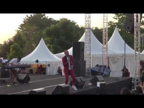 MARCELL - Firasat (Live at IndiHome Prambanan Jazz 2016) Official