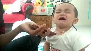 Terharu!!! (baby reaction) bayi menangis dengar lagu you raised me up