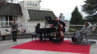 秋の北野町広場『三日月音楽祭』のJAZZ最高でした(^^♪2.