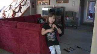 Madison singing Big Time Rush - Cerebellum Atrophy - Cerebral Palsy - Ataxia - Dysarthria