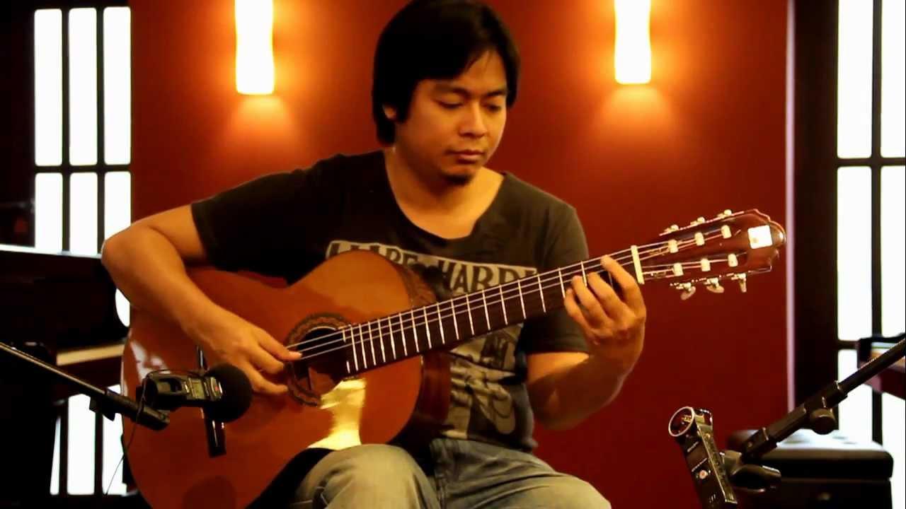 Alhambra Guitars 3C By AcousticThai.Net - YouTube
