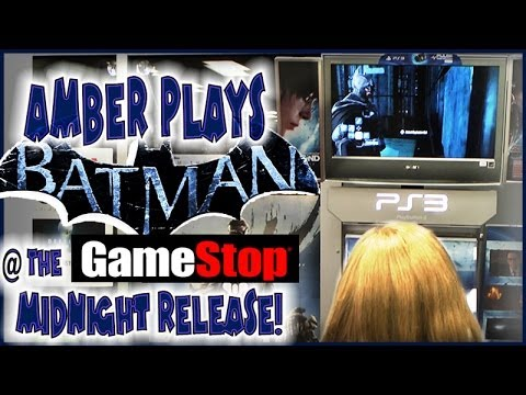 Amber Playing Arkham Origins At Gamestop Midnight Release