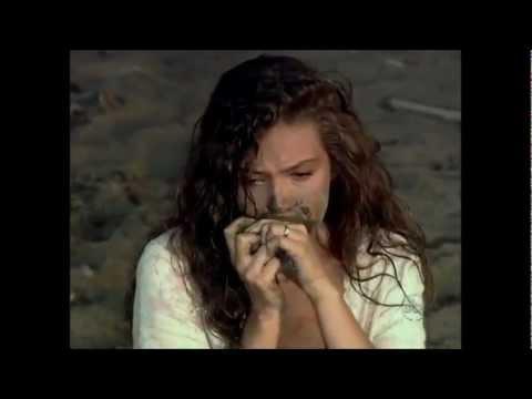 Thalía - Escena más triste de Marimar (Recoge pulsera del lodo)