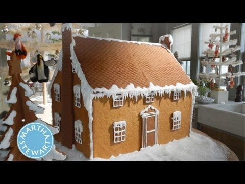 Awesome Graham Cracker Christmas Cottages | Holiday Décor | Martha Stewart   YouTube