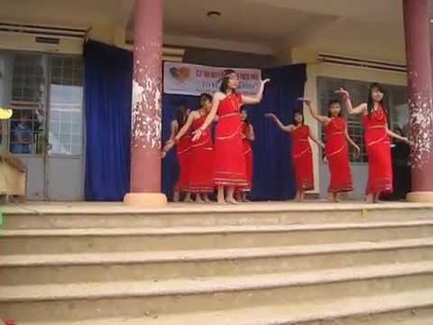 Múa : Chiều Lên Bản Thượng www.TraiTimThienThan.com