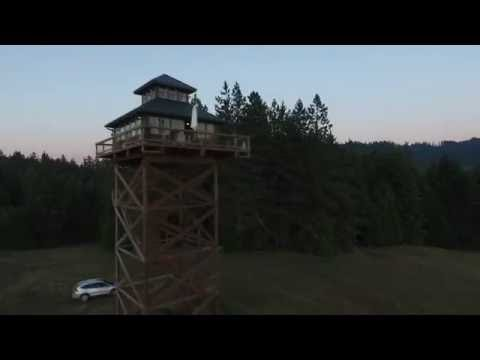 Sky-high rental: Cool fire lookout tower in tiny Tiller (photos, video)