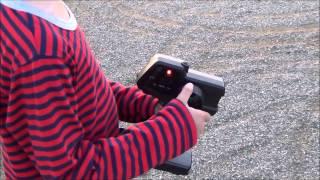 子供とラジコン遊び! タミヤ エアロアバンテ DF-02シャーシです。