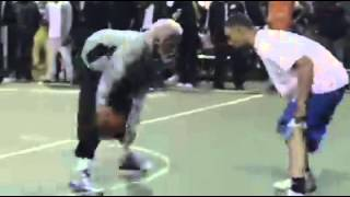 Jugador NBA se disfraza de anciano