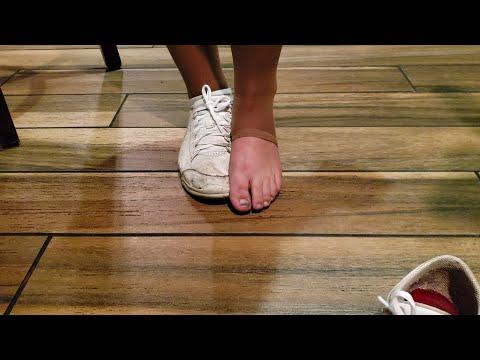 Sold: Waitress Shoe, Size 7.5