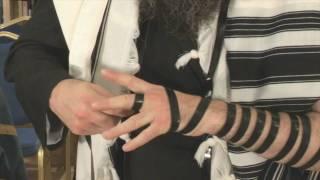 02 SMS: Laying TEFILLIN (Chabad)